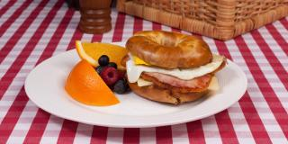 Croque Canuk Breakfast Bagel