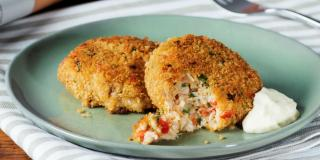 Crab Cakes with Lemon Mayonnaise